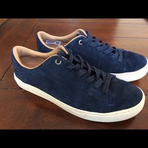 Toms Sneakers Navy size 7